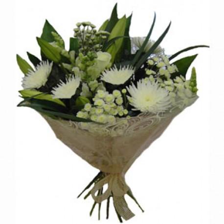 Classic Whites bouquet